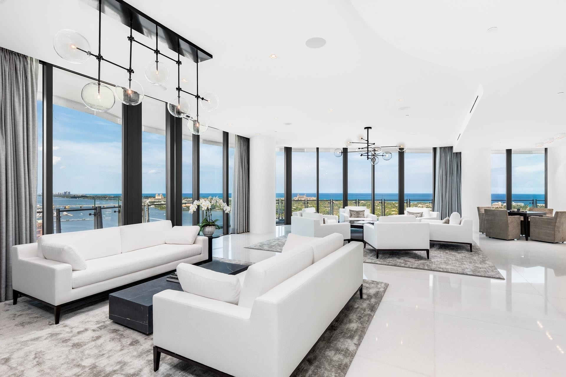 Condominium для того Продажа на 1100 S Flagler Drive, 2101/2102 Southend, West Palm Beach, FL 33401