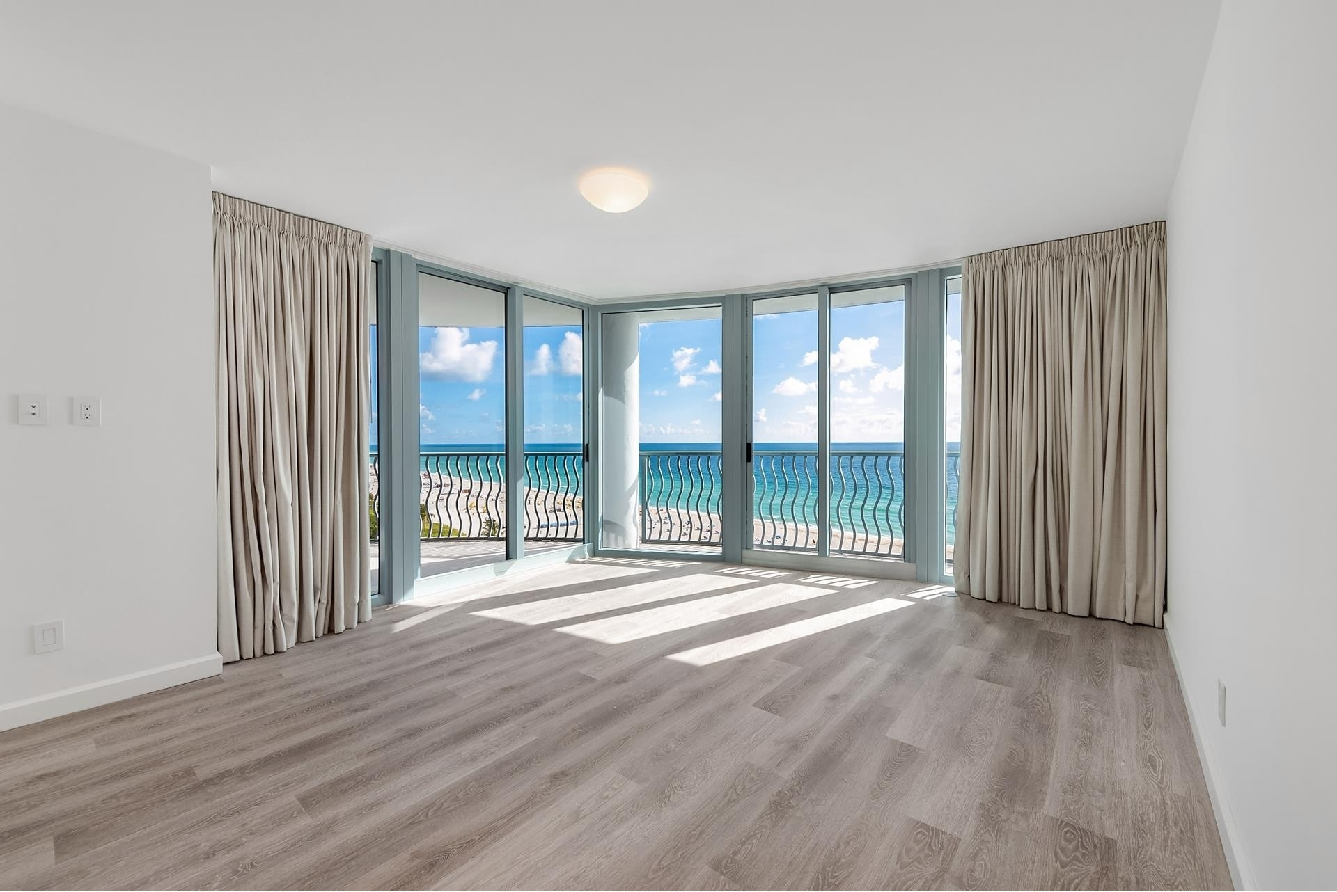 14. Condominiums for Sale at 1500 Ocean Dr , 1101 Miami Beach City Center, Miami Beach, FL 33139