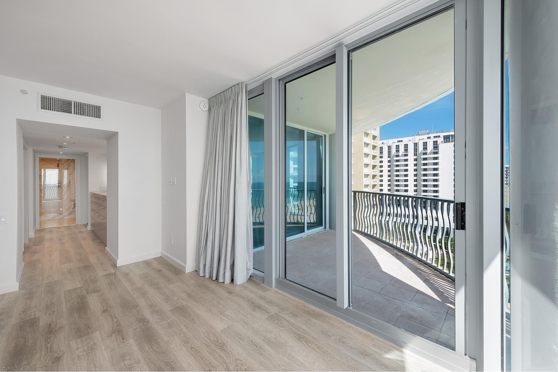 15. Condominiums for Sale at 1500 Ocean Dr , 1101 Miami Beach City Center, Miami Beach, FL 33139