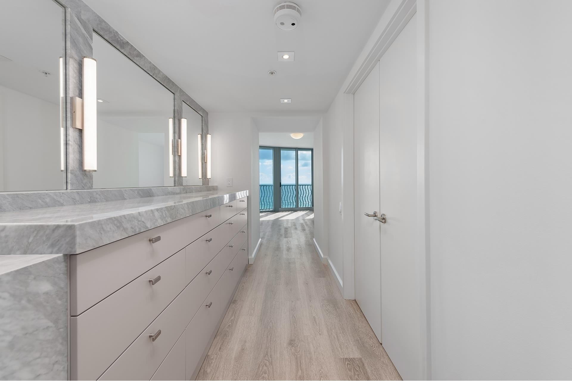 19. Condominiums for Sale at 1500 Ocean Dr , 1101 Miami Beach City Center, Miami Beach, FL 33139