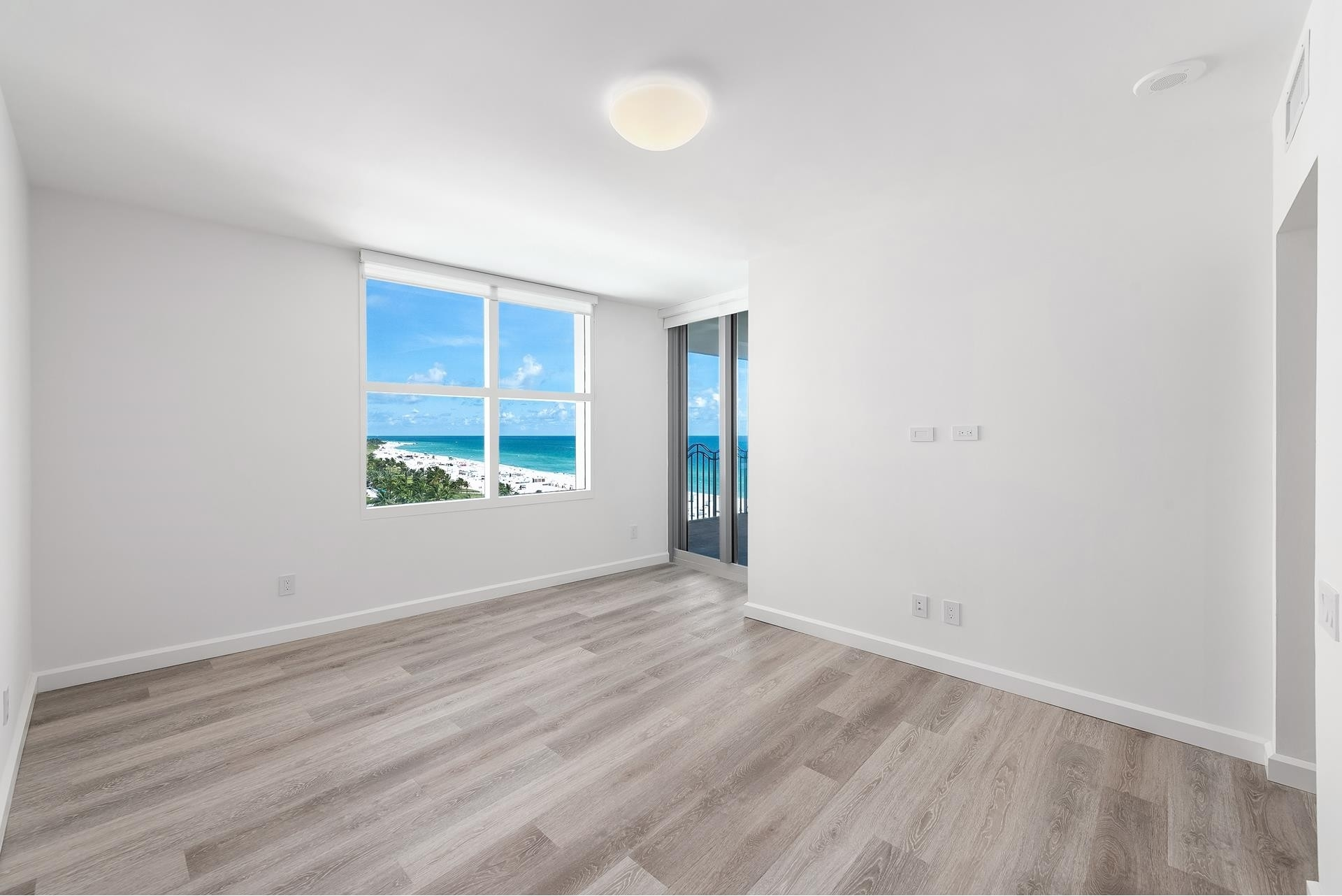 27. Condominiums for Sale at 1500 Ocean Dr , 1101 Miami Beach City Center, Miami Beach, FL 33139