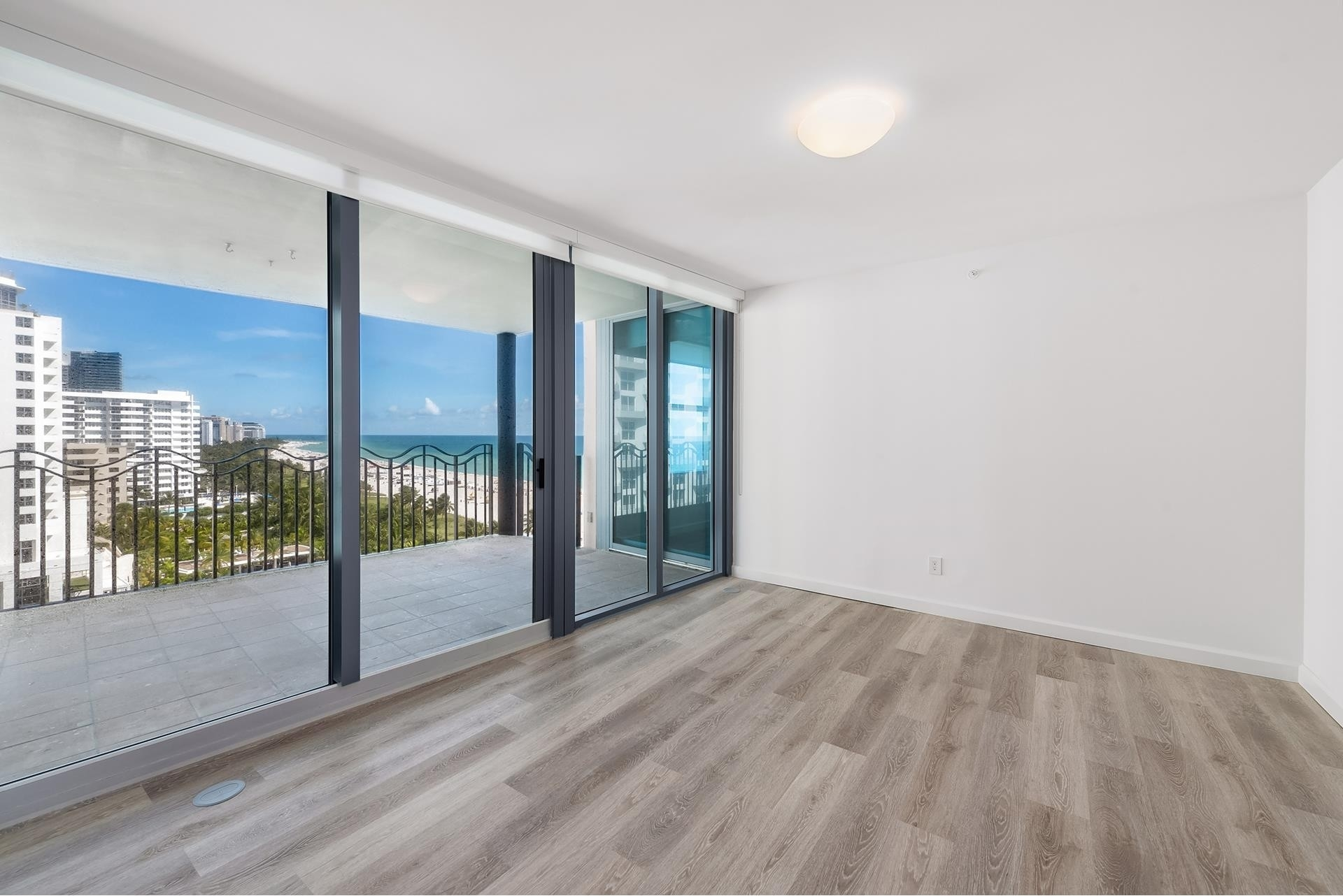 25. Condominiums for Sale at 1500 Ocean Dr , 1101 Miami Beach City Center, Miami Beach, FL 33139