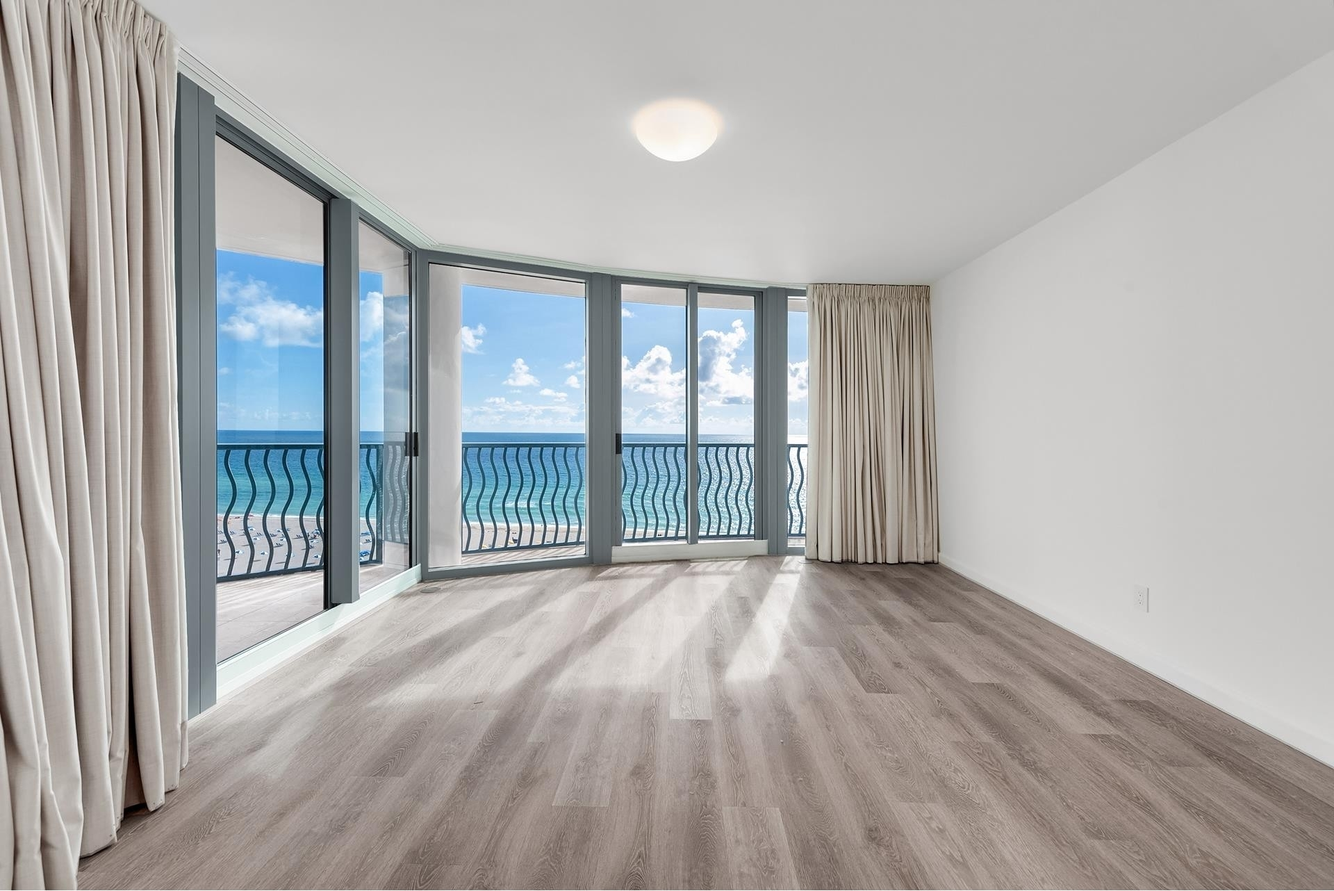 13. Condominiums for Sale at 1500 Ocean Dr , 1101 Miami Beach City Center, Miami Beach, FL 33139