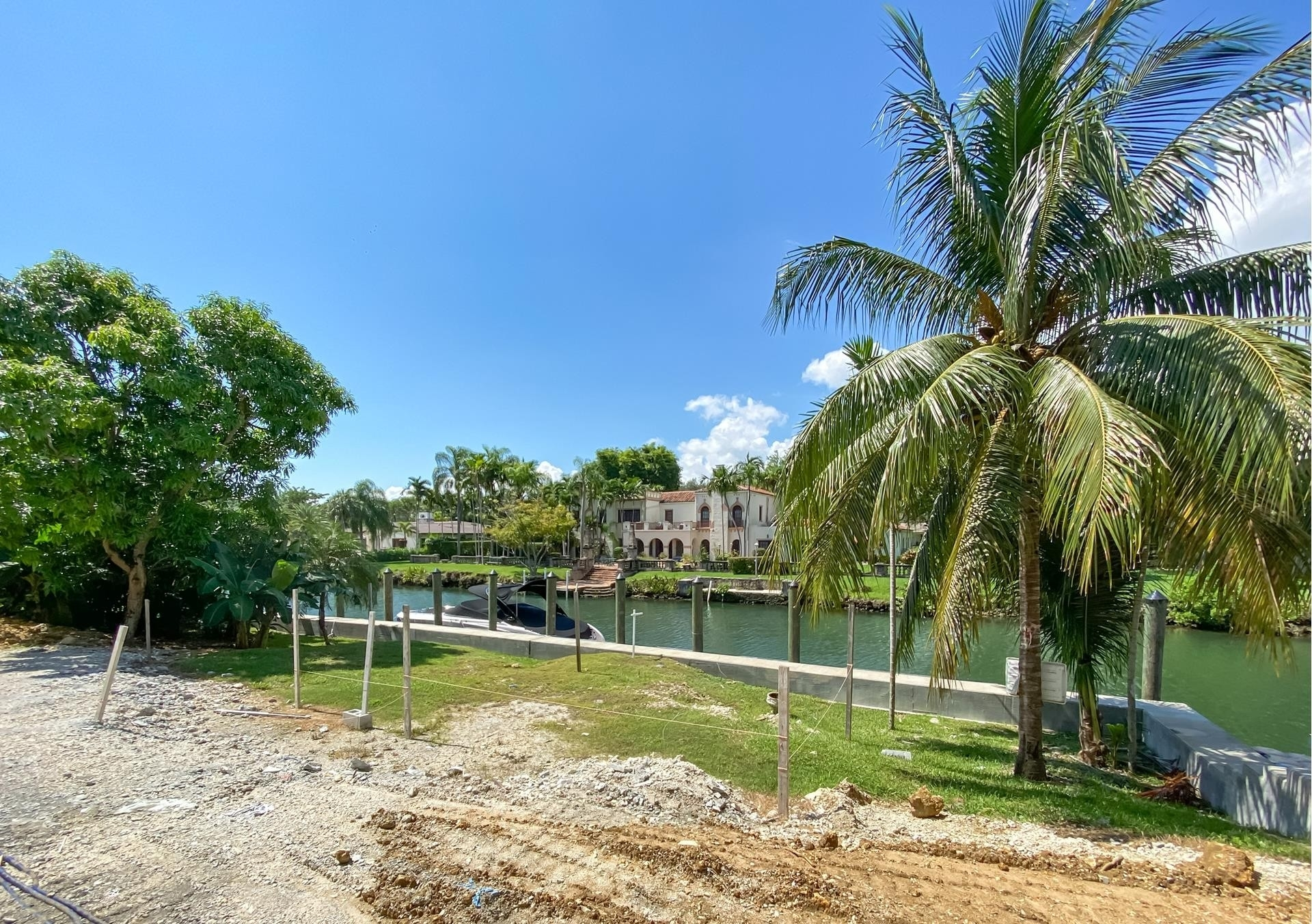 30. Single Family Homes for Sale at Country Club Section, Coral Gables, FL 33146