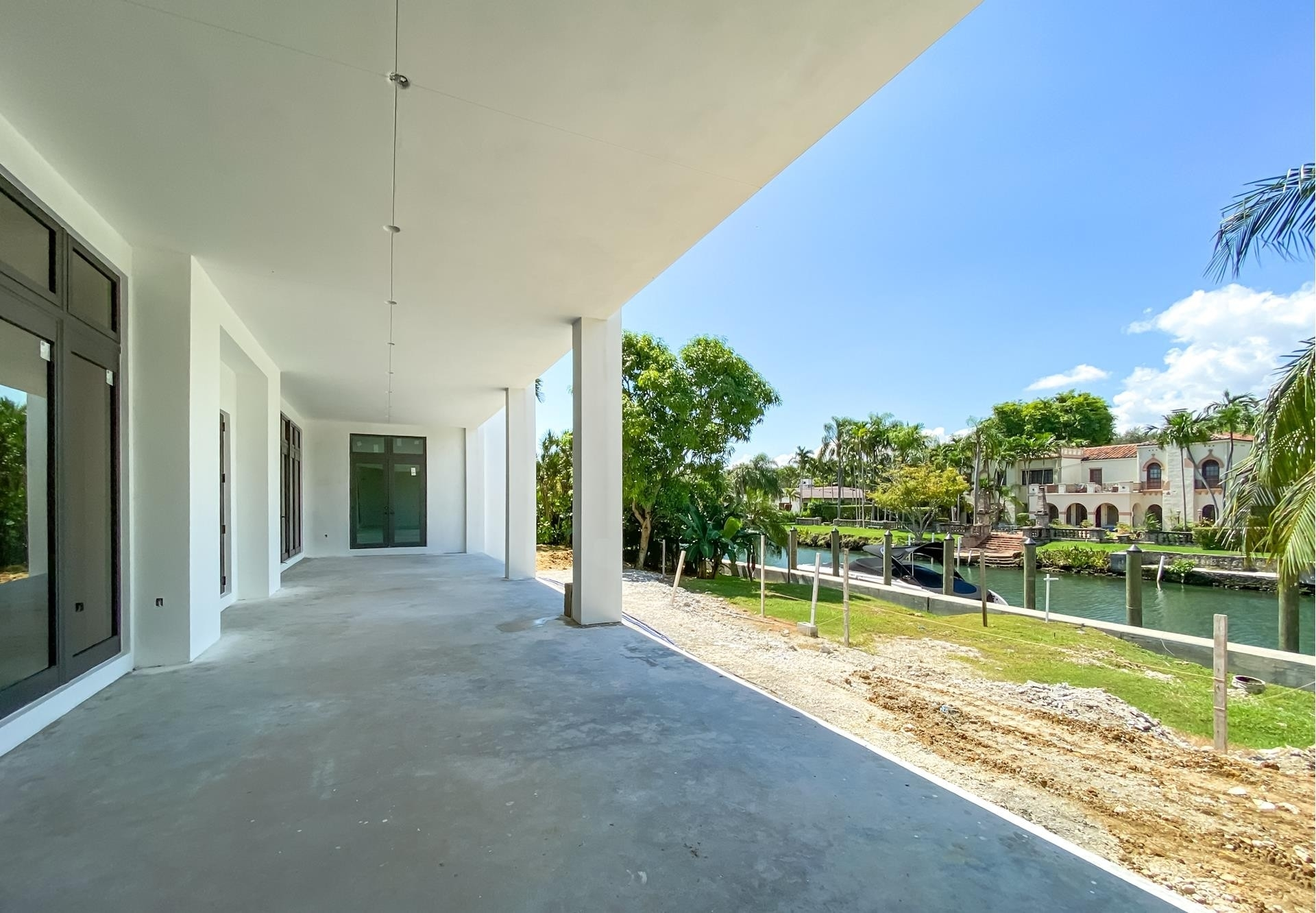 27. Single Family Homes for Sale at Country Club Section, Coral Gables, FL 33146