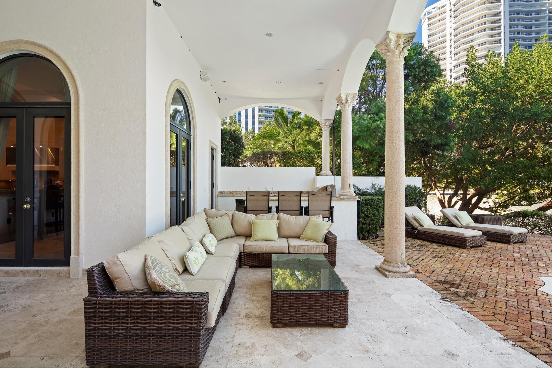 30. Single Family Homes for Sale at Aventura, FL 33160
