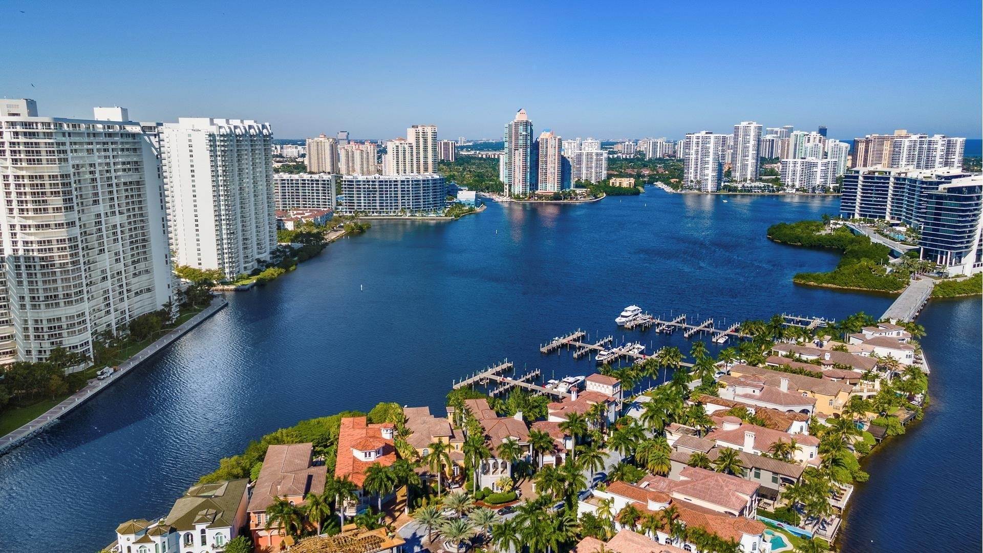 36. Single Family Homes for Sale at Aventura, FL 33160