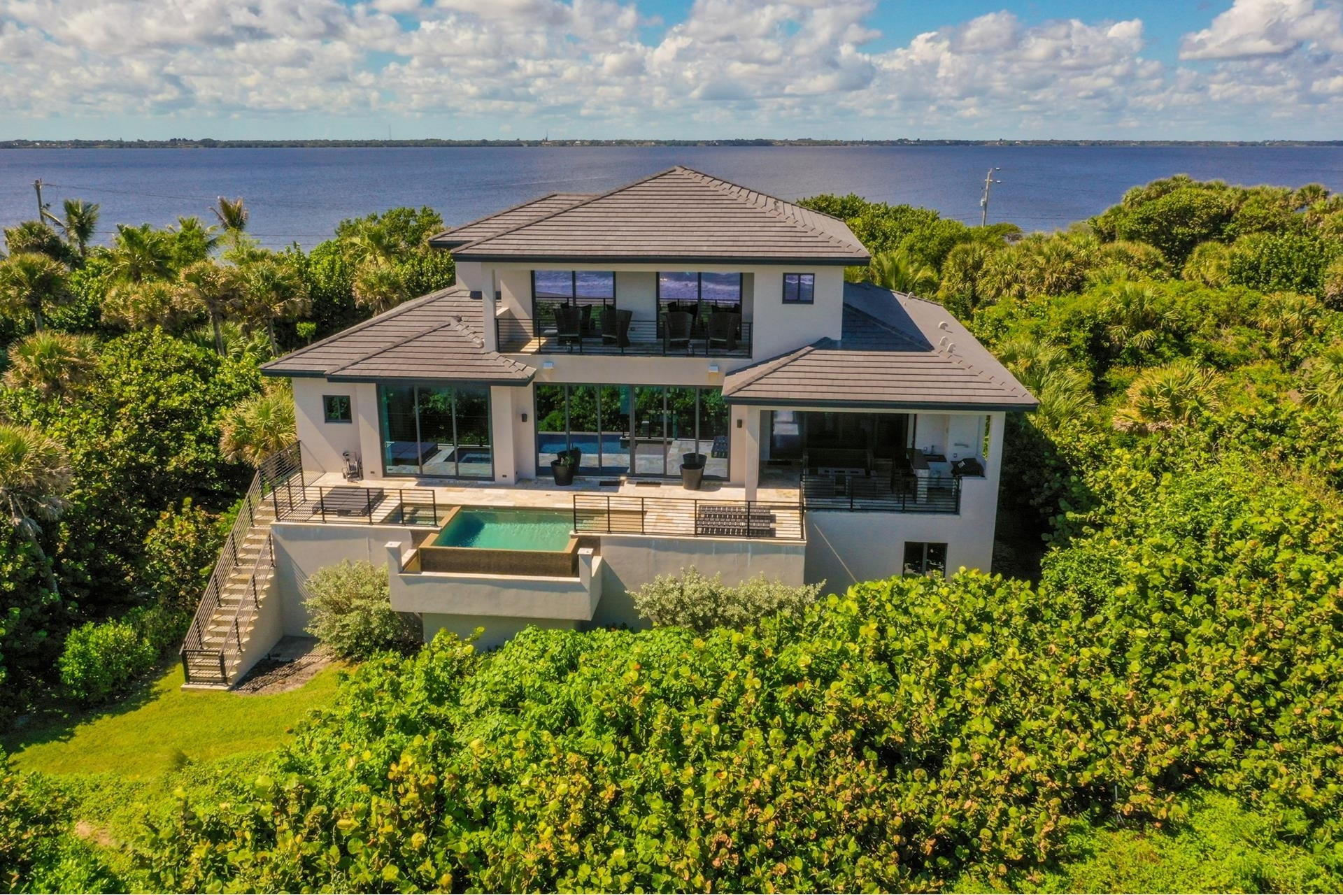 9. Single Family Homes 為 特賣 在 Hutchinson Island South, Jensen Beach, FL 34957