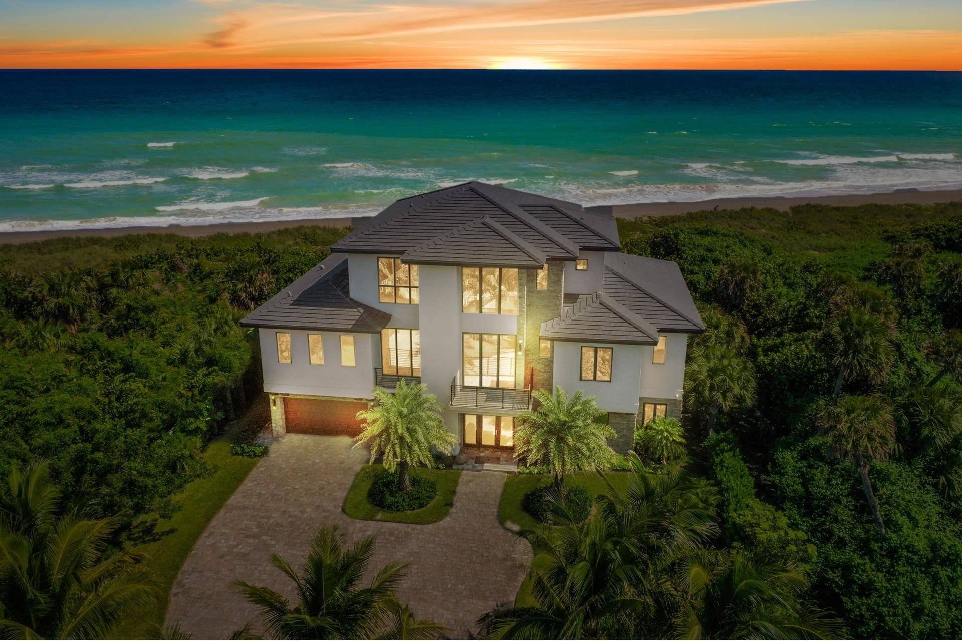 1. Single Family Homes 為 特賣 在 Hutchinson Island South, Jensen Beach, FL 34957