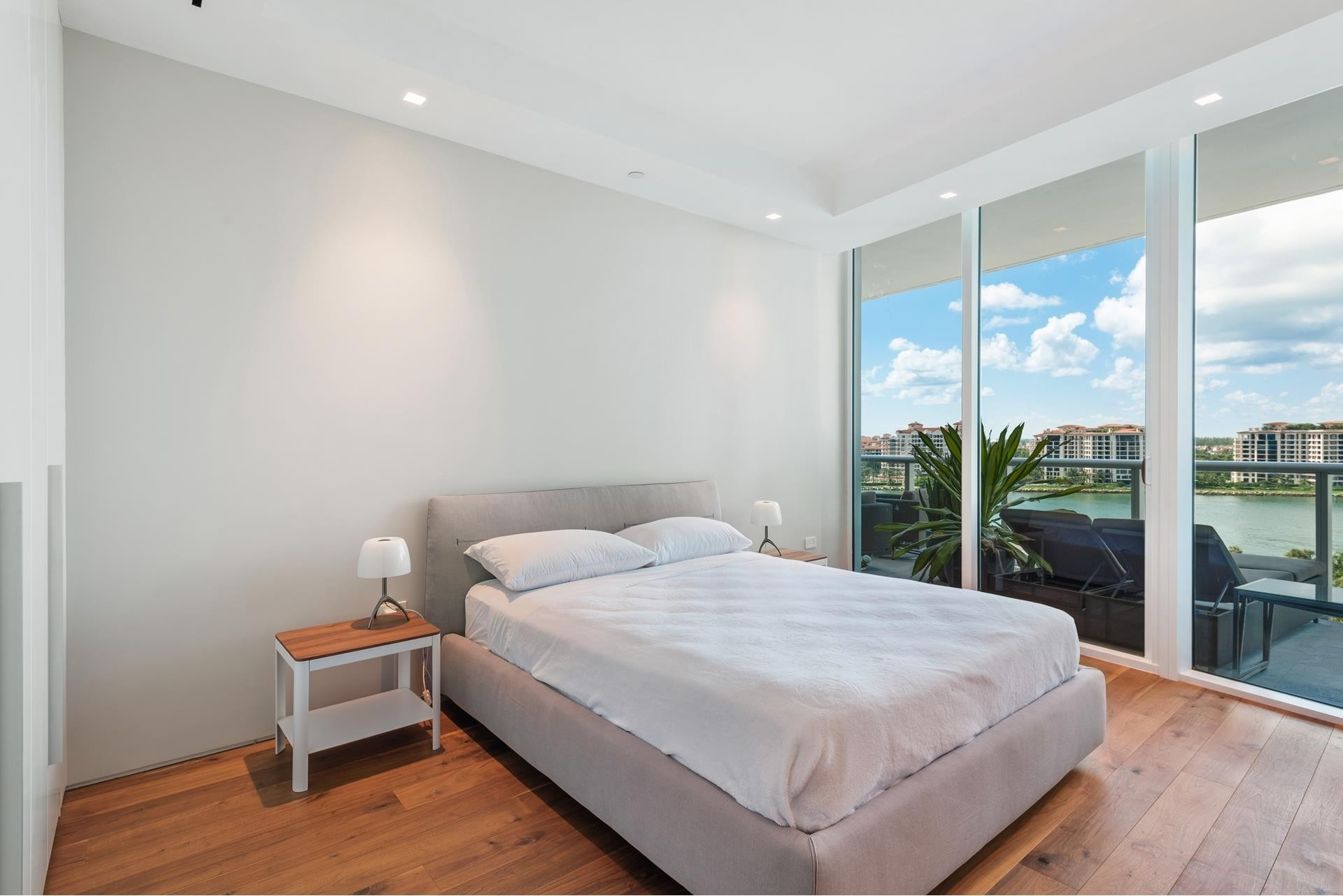 18. Condominiums for Sale at 100 S Pointe Dr , 1102-03 South Point, Miami Beach, FL 33139