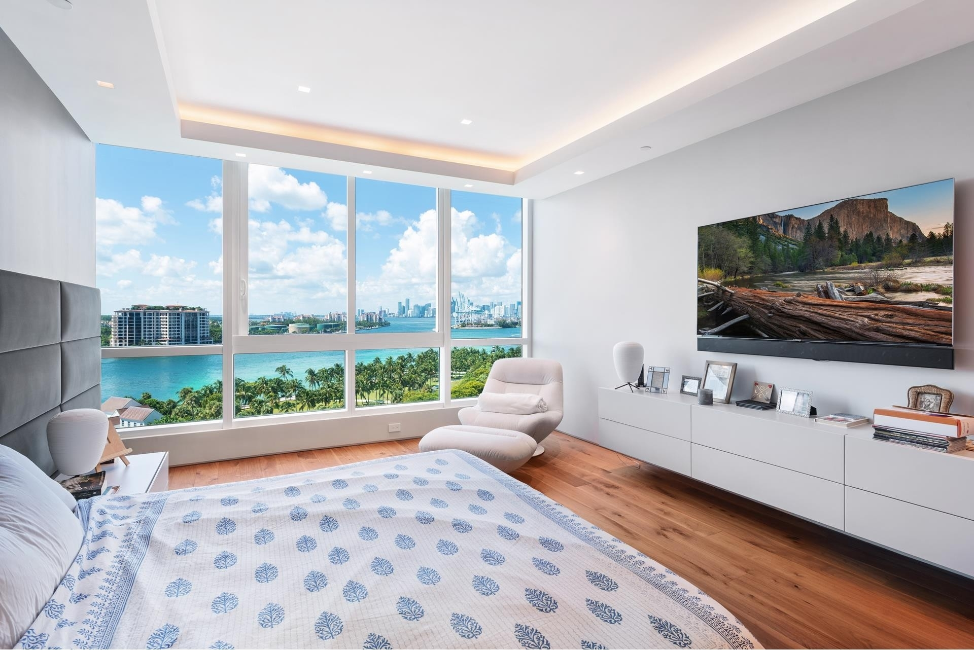 22. Condominiums for Sale at 100 S Pointe Dr , 1102-03 South Point, Miami Beach, FL 33139