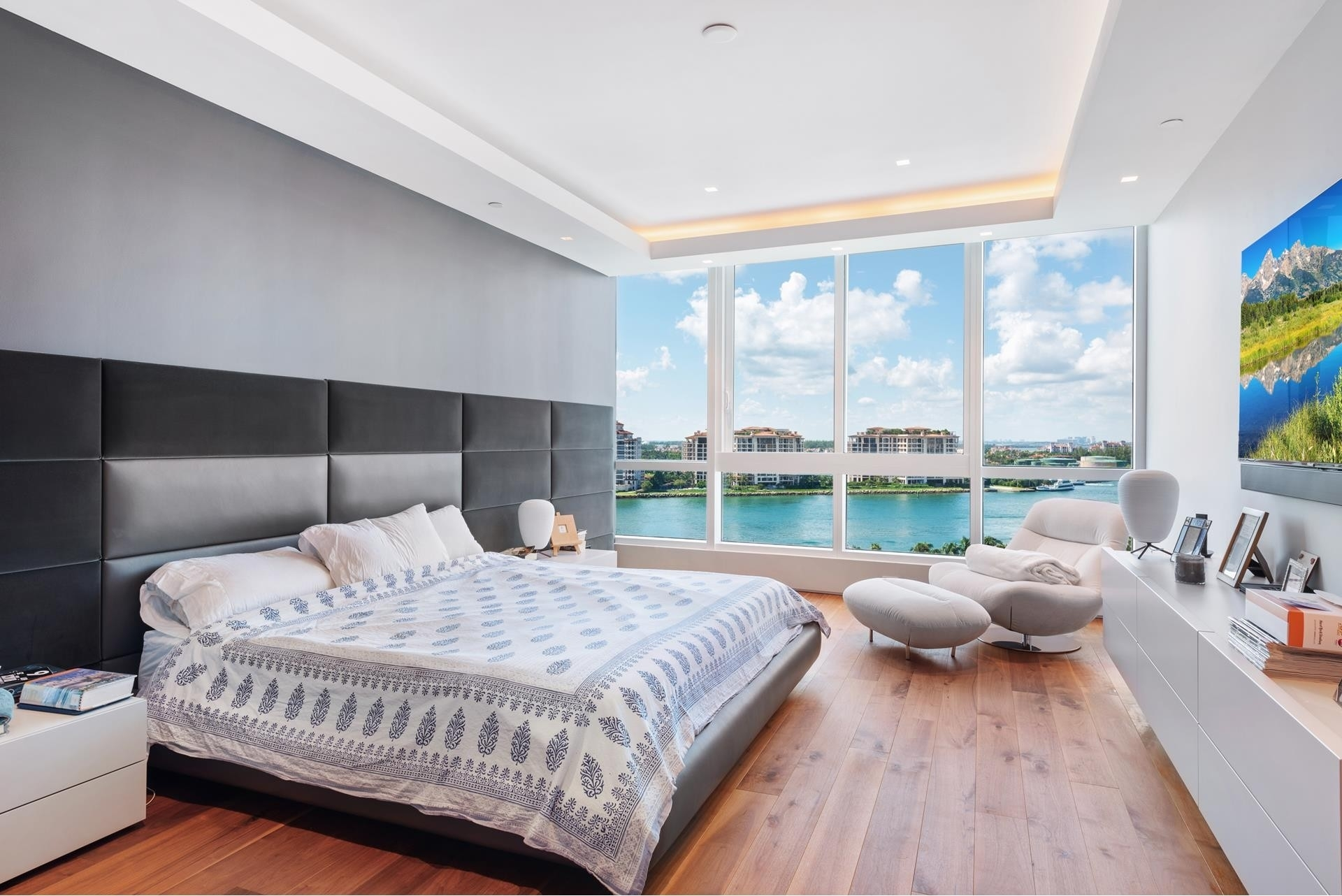 21. Condominiums for Sale at 100 S Pointe Dr , 1102-03 South Point, Miami Beach, FL 33139