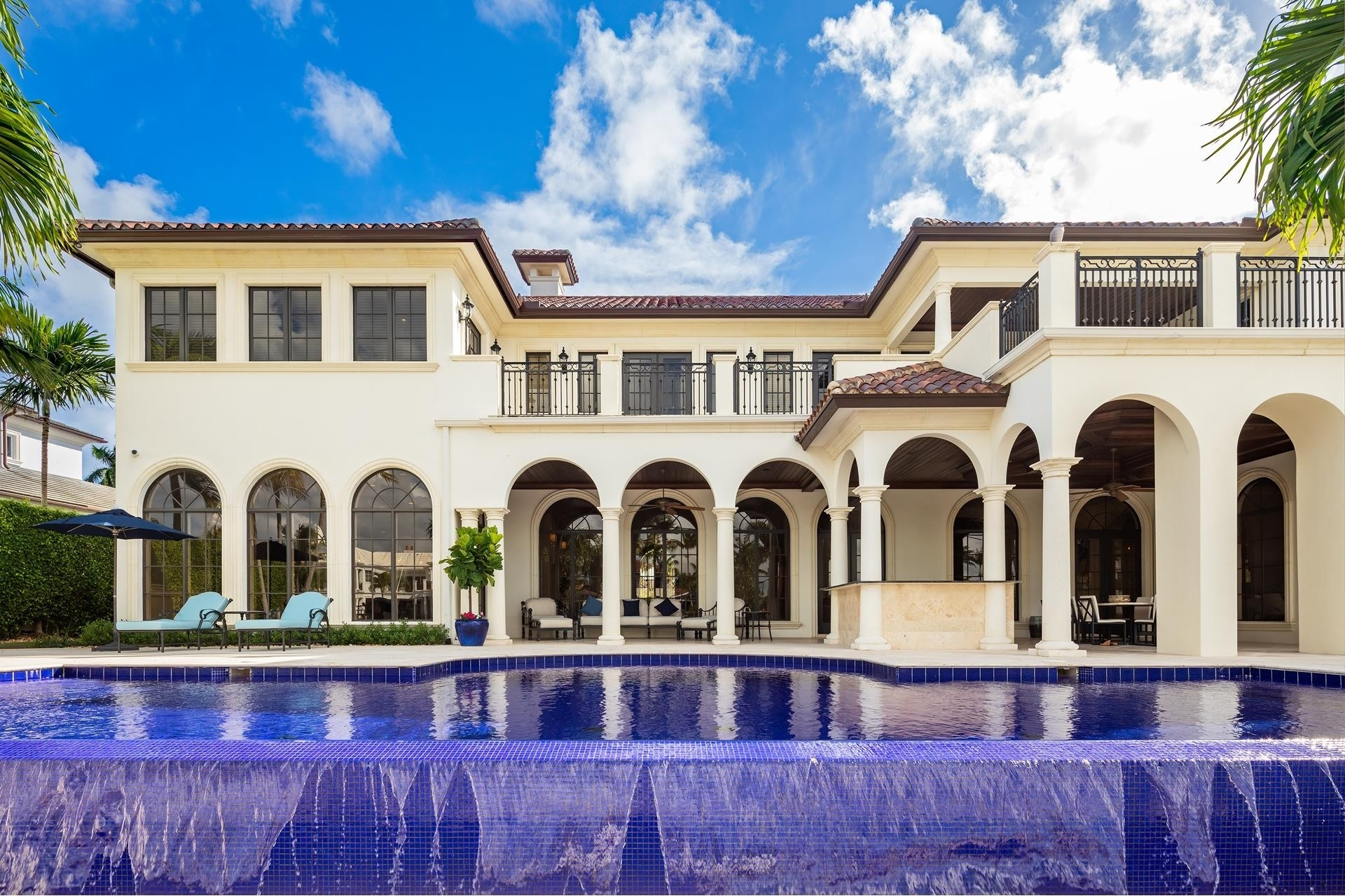 21. Single Family Homes для того Продажа на Royal Palm Yacht And Country Club, Boca Raton, FL 33432