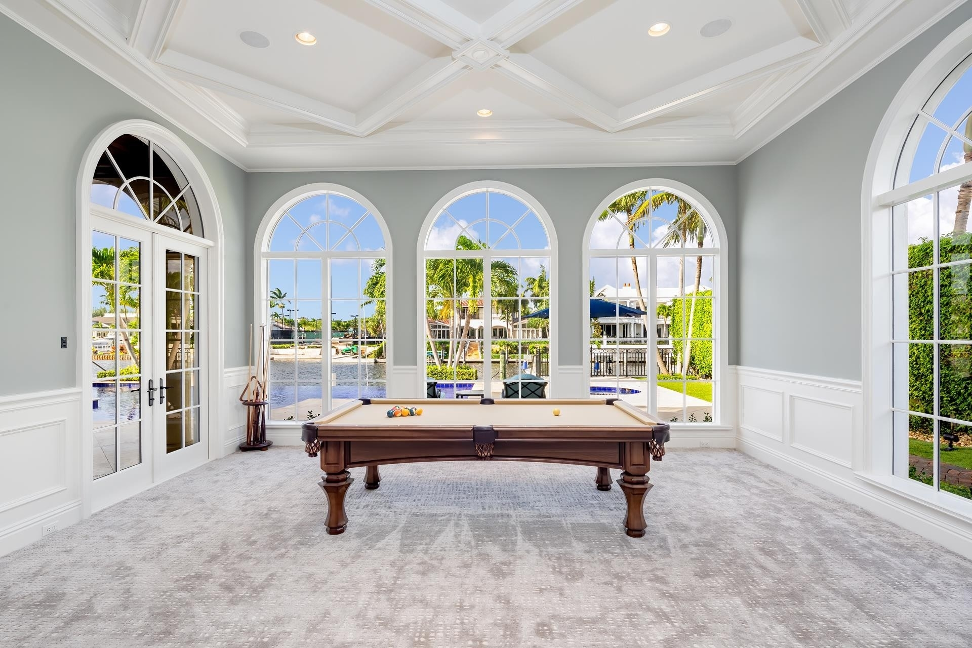 29. Single Family Homes для того Продажа на Royal Palm Yacht And Country Club, Boca Raton, FL 33432