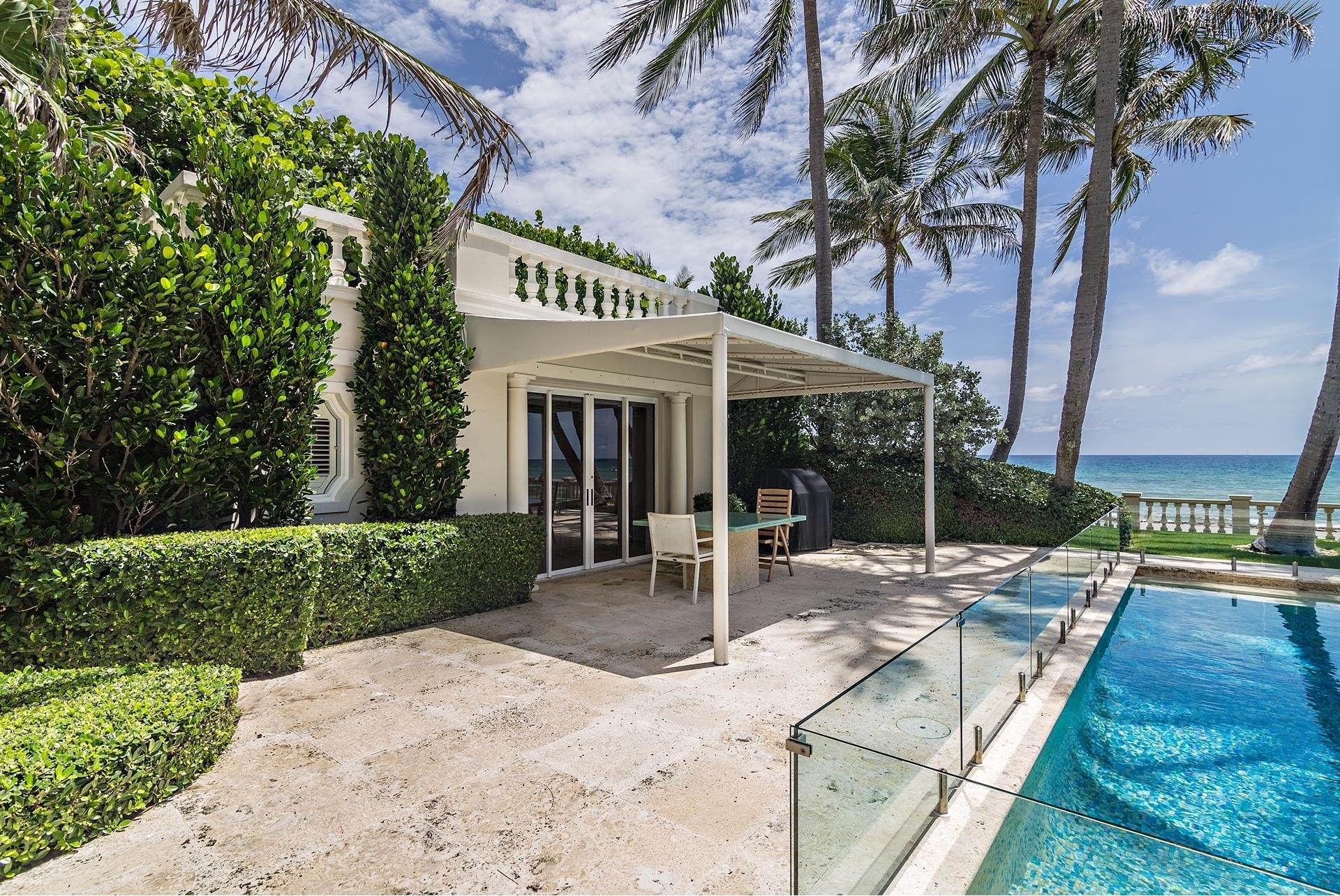 28. Single Family Homes pour l Vente à Palm Beach, FL 33480