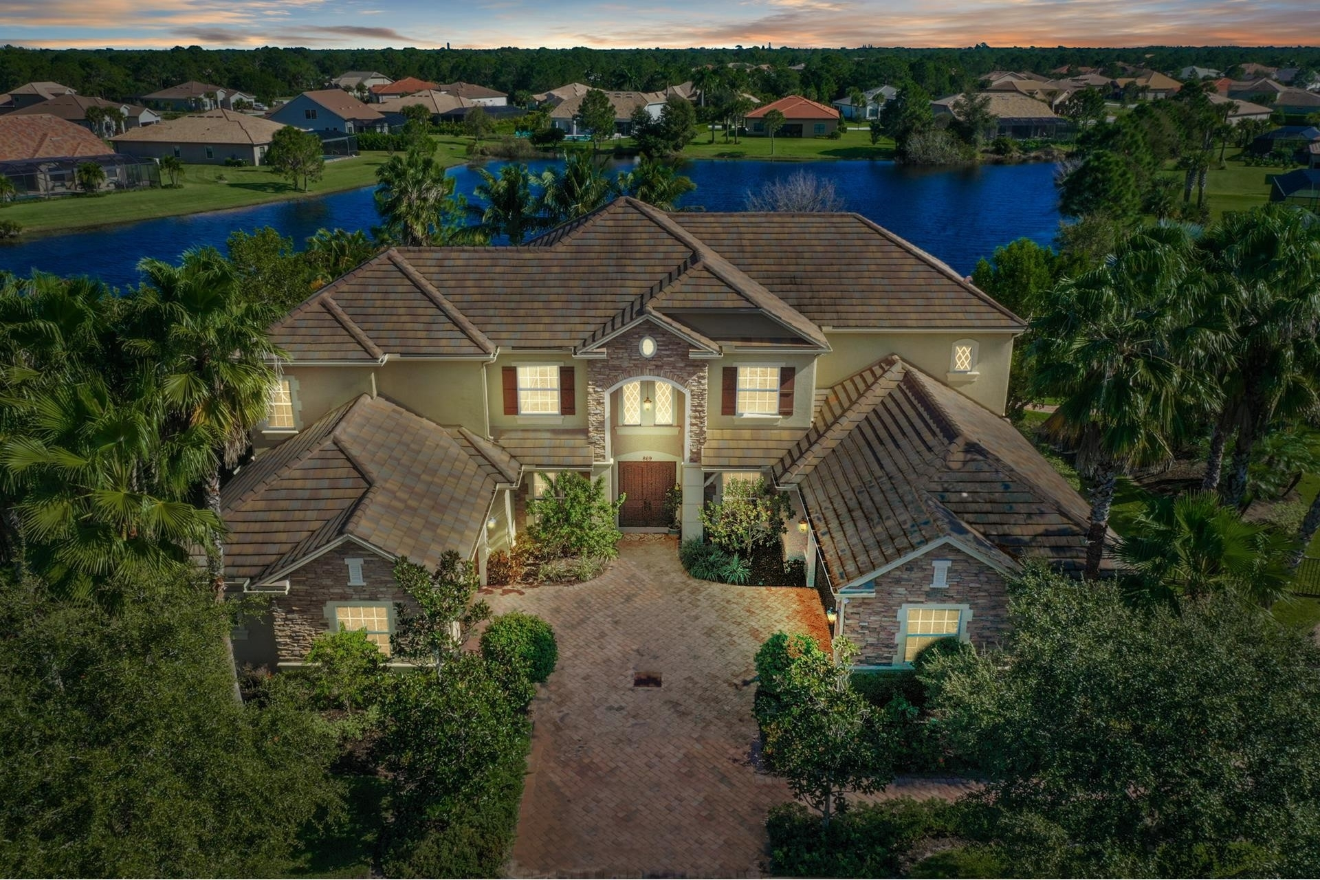 1. Single Family Homes por un Venta en Palm City, FL 34990