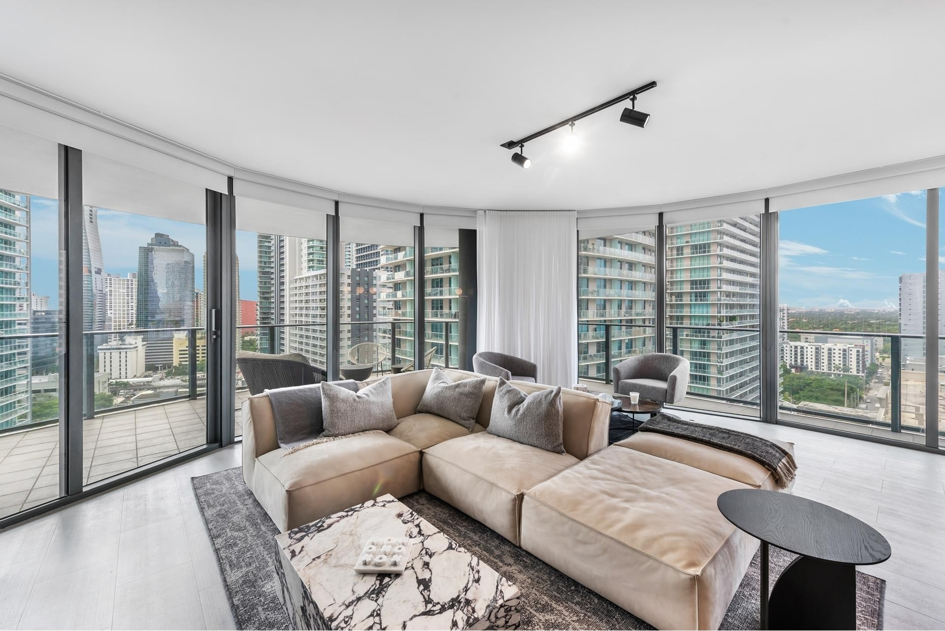 Property à 1000 Brickell Plz , 2102 Miami Financial District, Miami, FL 33131