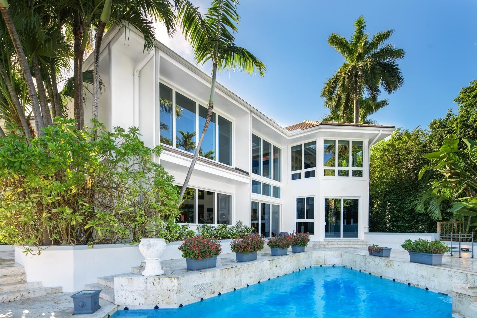 23. Single Family Homes for Sale at Bayshore, Miami Beach, FL 33140