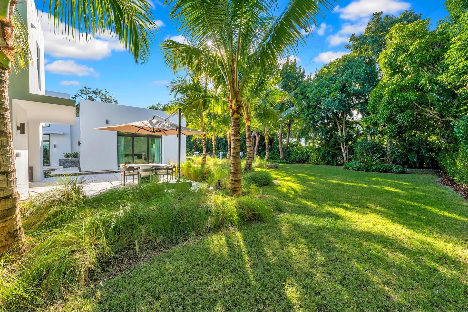 11. Single Family Homes for Sale at Coral Gables, FL 33156