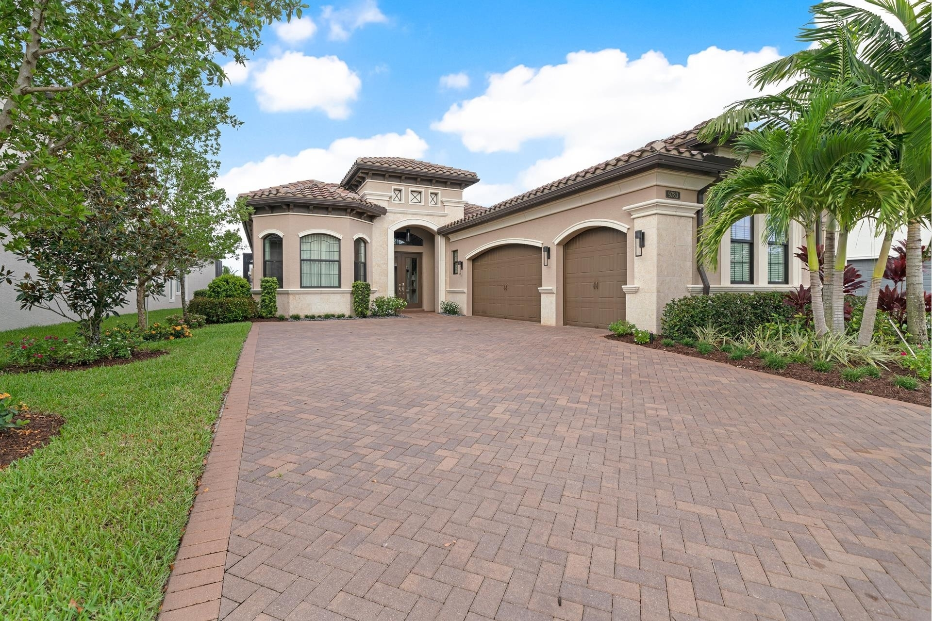 31. Single Family Homes for Sale at Delray Beach, FL 33446