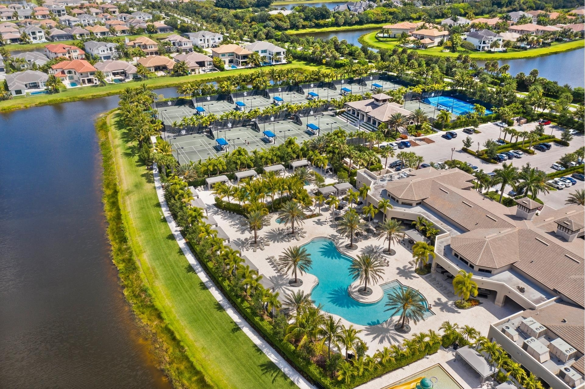 36. Single Family Homes for Sale at Delray Beach, FL 33446