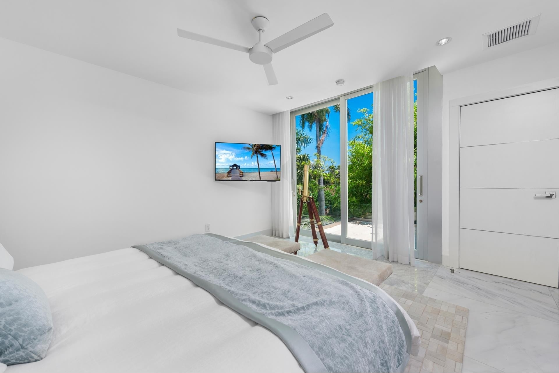 33. Single Family Homes pour l Vente à Hibiscus Island, Miami Beach, FL 33139