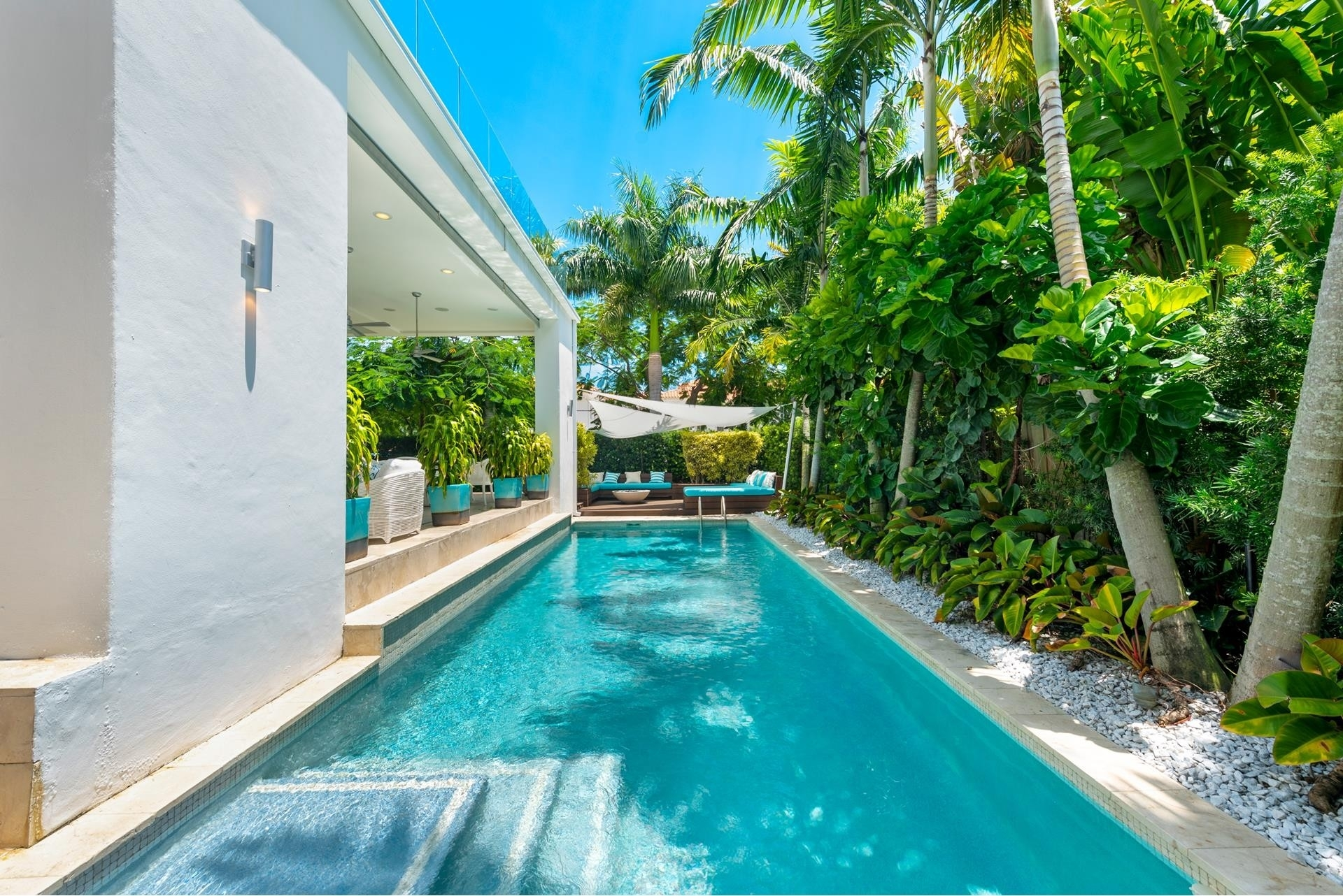 8. Single Family Homes pour l Vente à Hibiscus Island, Miami Beach, FL 33139