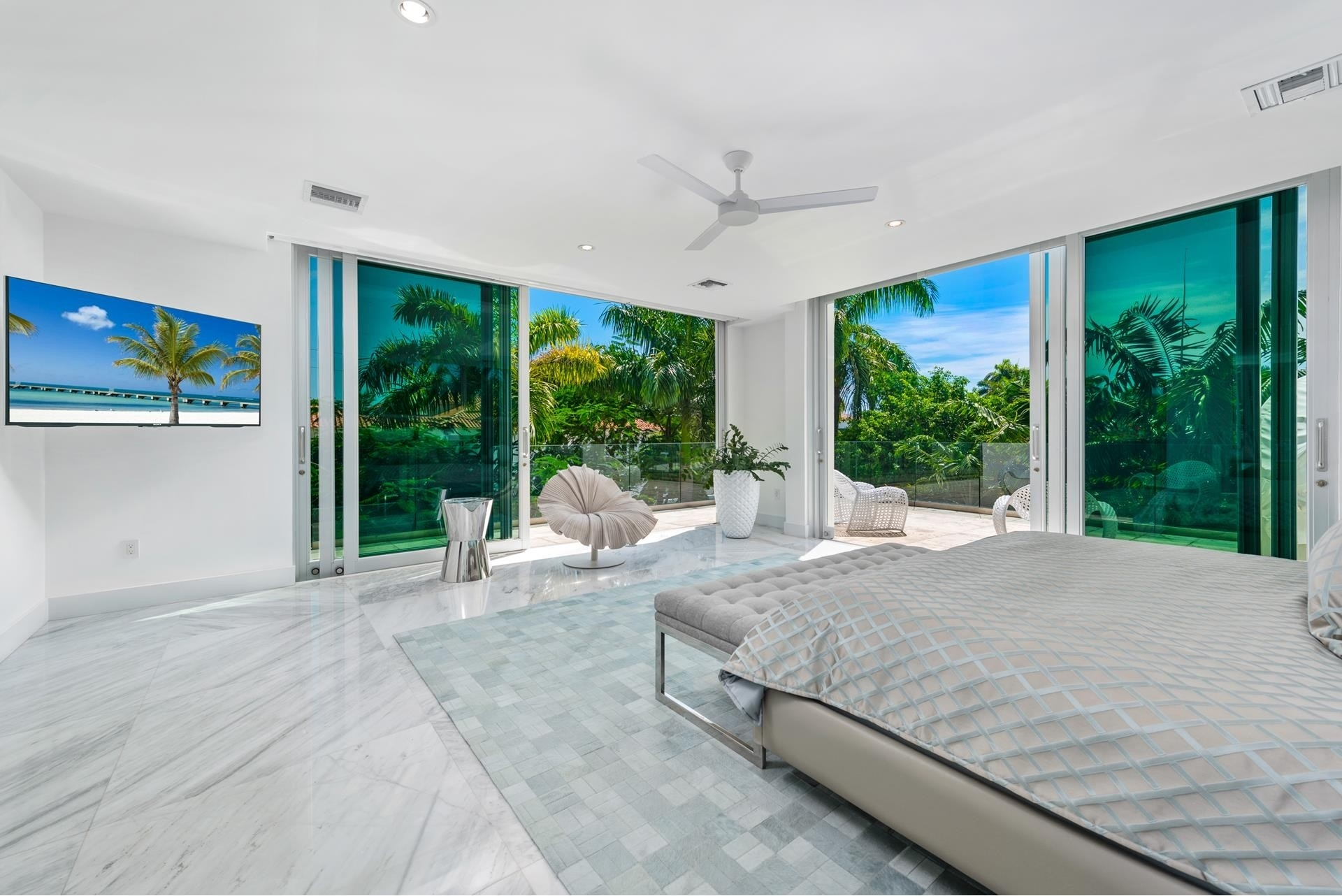30. Single Family Homes pour l Vente à Hibiscus Island, Miami Beach, FL 33139