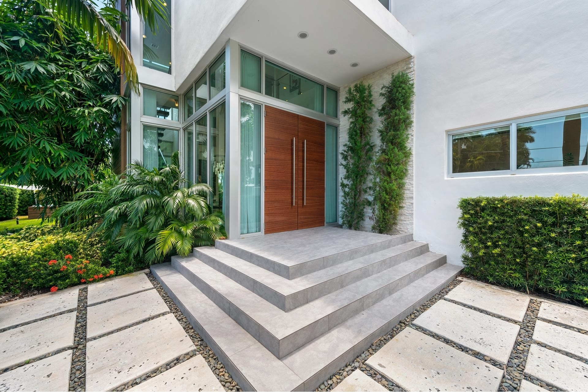 4. Single Family Homes pour l Vente à Hibiscus Island, Miami Beach, FL 33139