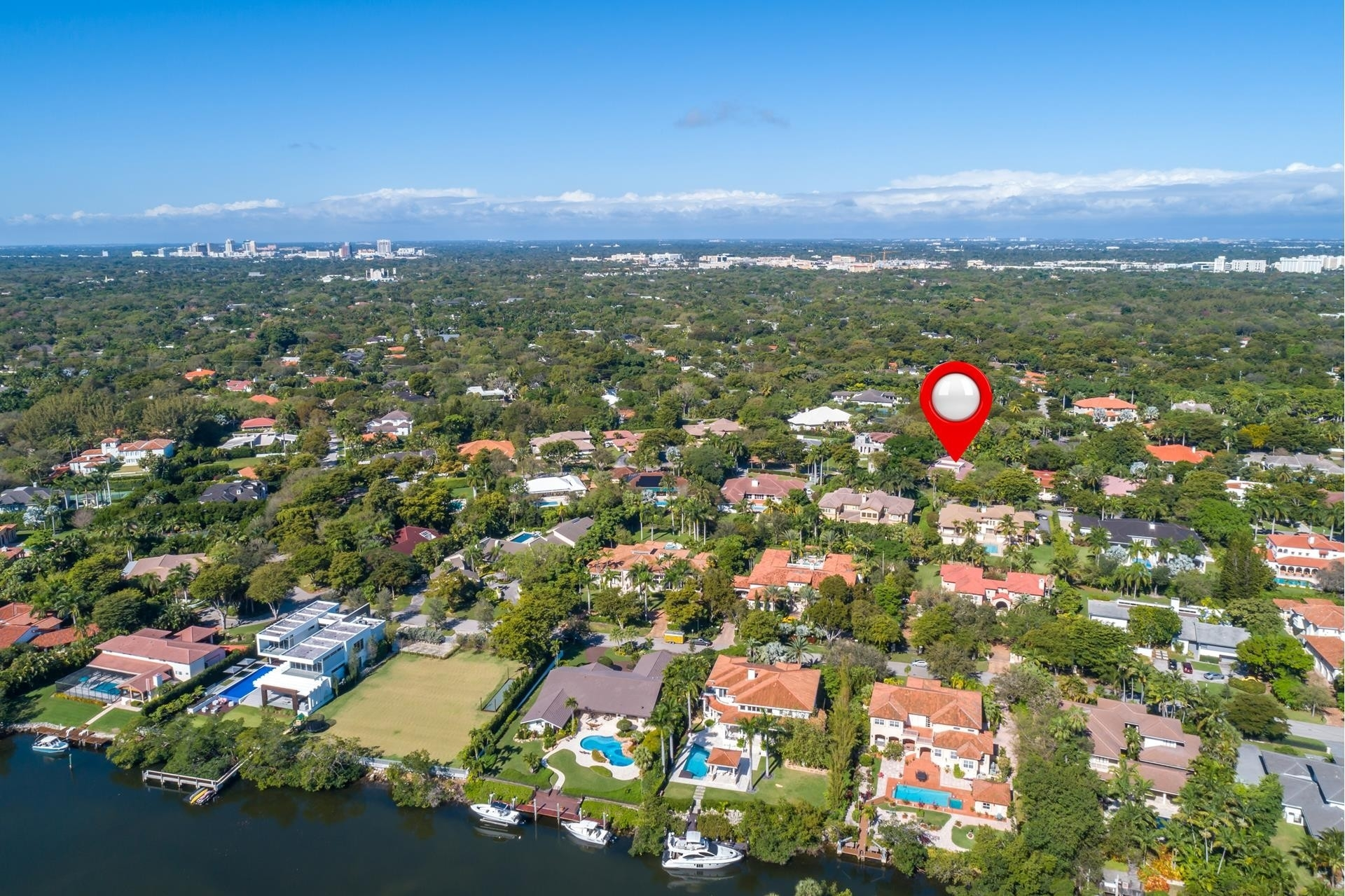 24. Single Family Homes for Sale at Cocoplum, Coral Gables, FL 33143