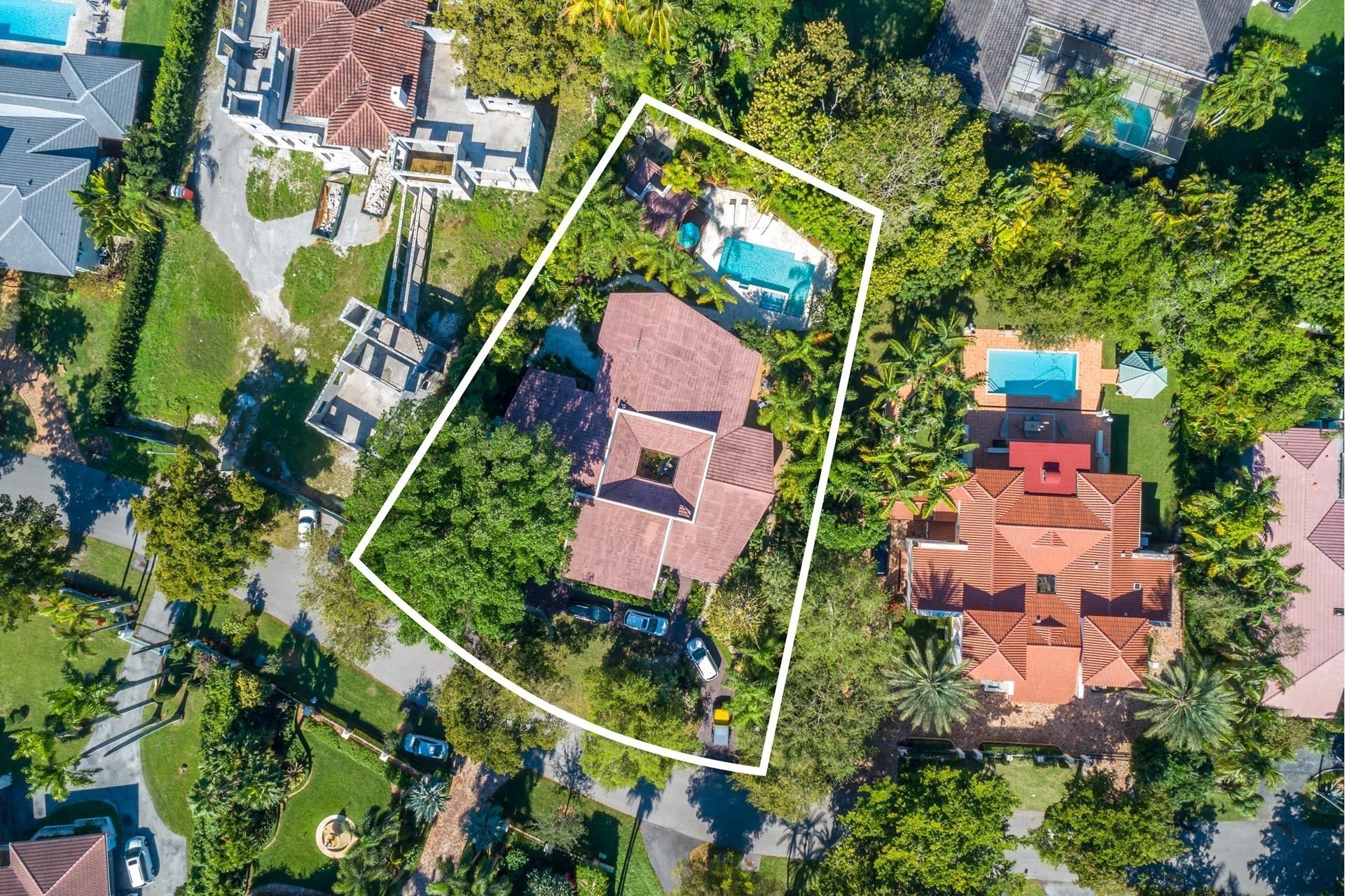 22. Single Family Homes for Sale at Cocoplum, Coral Gables, FL 33143
