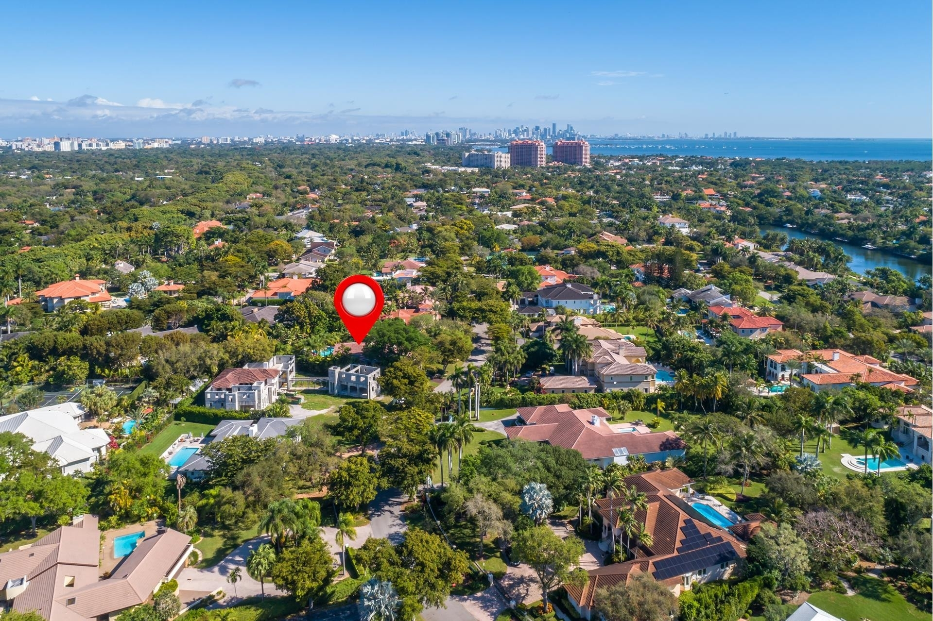 23. Single Family Homes for Sale at Cocoplum, Coral Gables, FL 33143