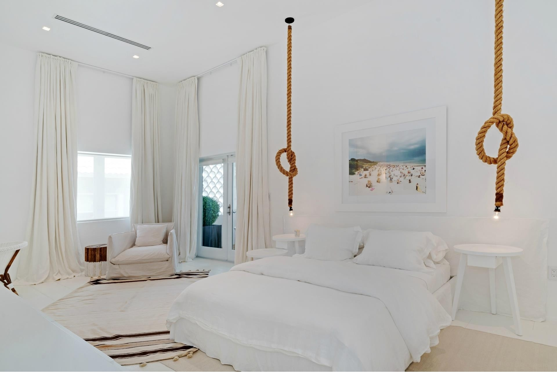 30. Single Family Homes for Sale at SoFi, Miami Beach, FL 33139