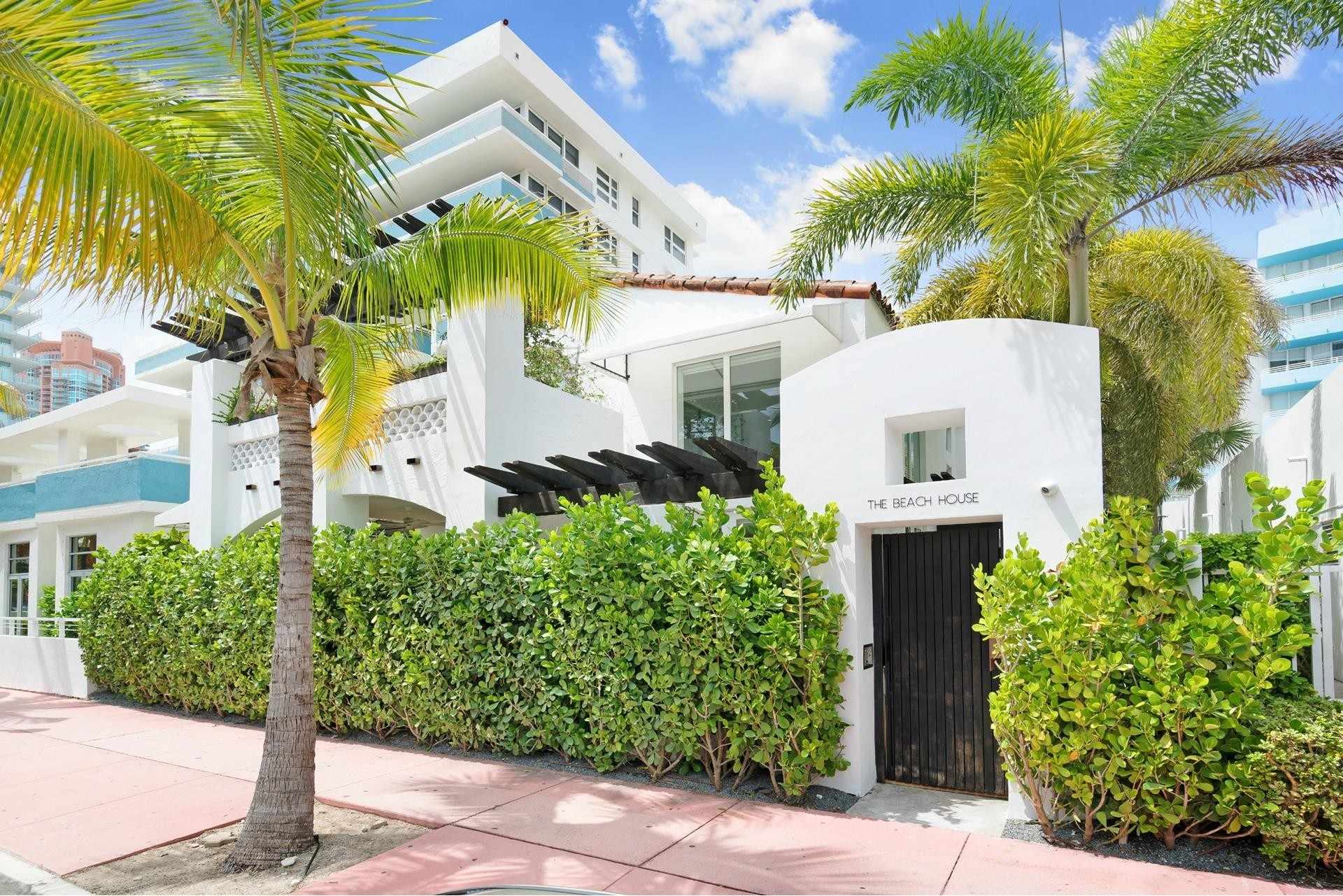 2. Single Family Homes for Sale at SoFi, Miami Beach, FL 33139