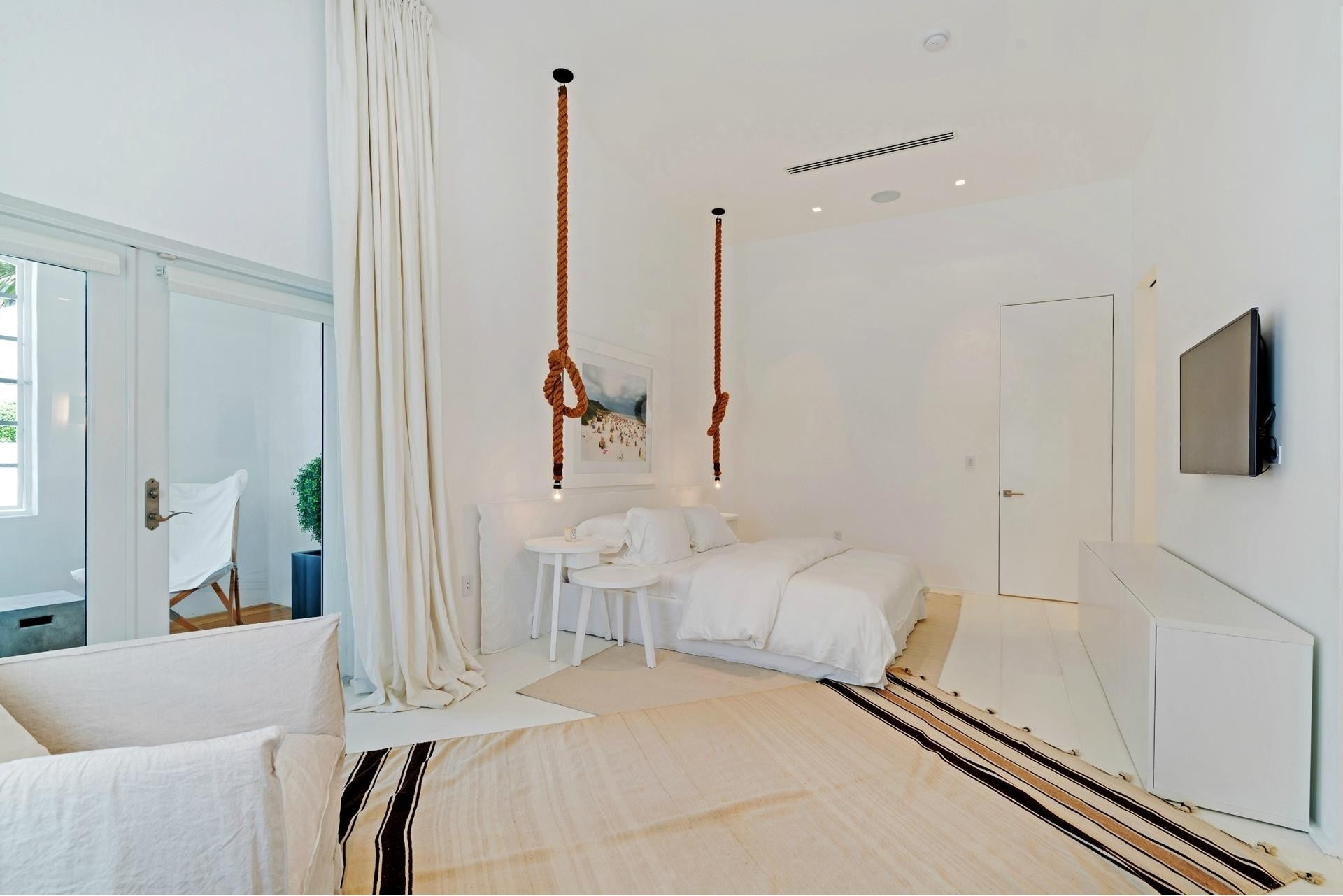 29. Single Family Homes for Sale at SoFi, Miami Beach, FL 33139