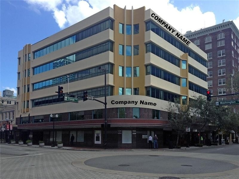 商业的 / 办公室 為 特賣 在 14 WASHINGTON Street, 400 Downtown Historic District, Orlando, FL 32801
