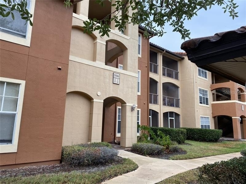 3. Condominiums for Sale at 5506 METROWEST BOULEVARD, 13-303 Kirkman North, Orlando, FL 32811
