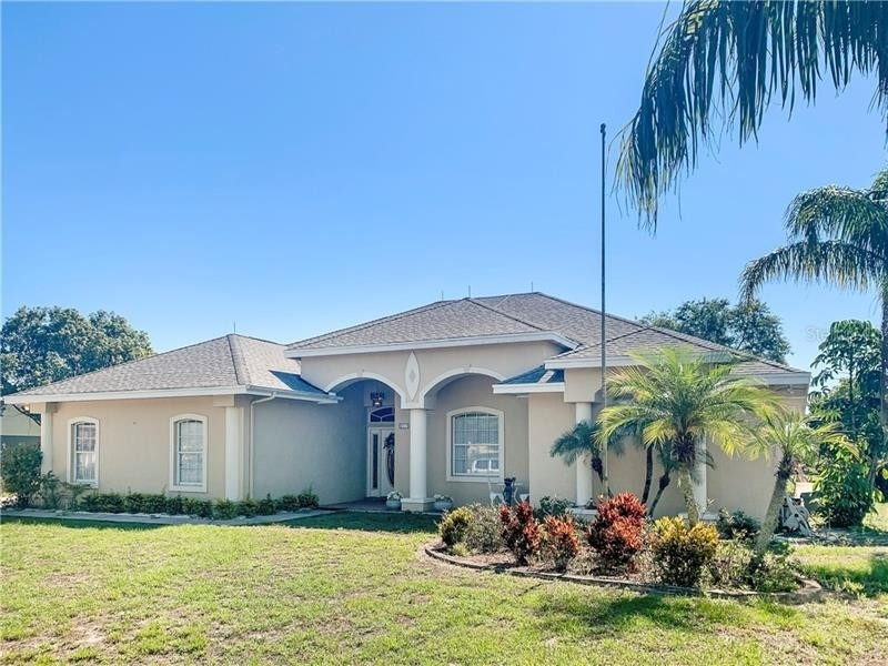 Single Family Home for Sale at Polk City, FL 33868