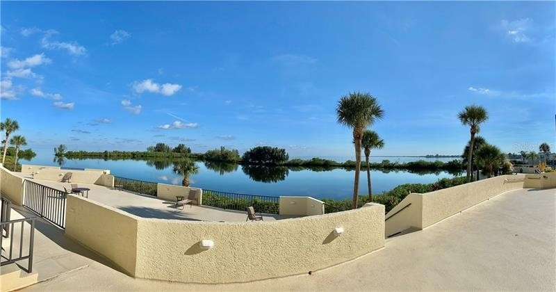 Condominium por un Venta en 6009 SEA RANCH DRIVE, 115 Gulf Island Beach and Tennis Club, Hudson, FL 34667