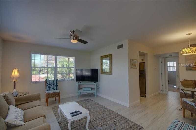 Condominium en 4 163RD AVENUE, 5 Redington Beach, FL 33708