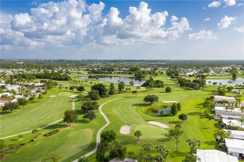 16. Single Family Homes por un Venta en 2100 KINGS HIGHWAY, 445 Maple Leaf Golf and Country Club, Port Charlotte, FL 33980