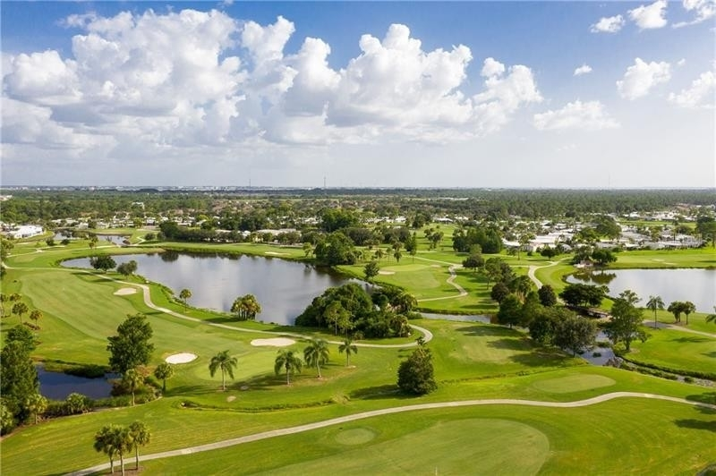 23. Single Family Homes por un Venta en 2100 KINGS HIGHWAY, 445 Maple Leaf Golf and Country Club, Port Charlotte, FL 33980