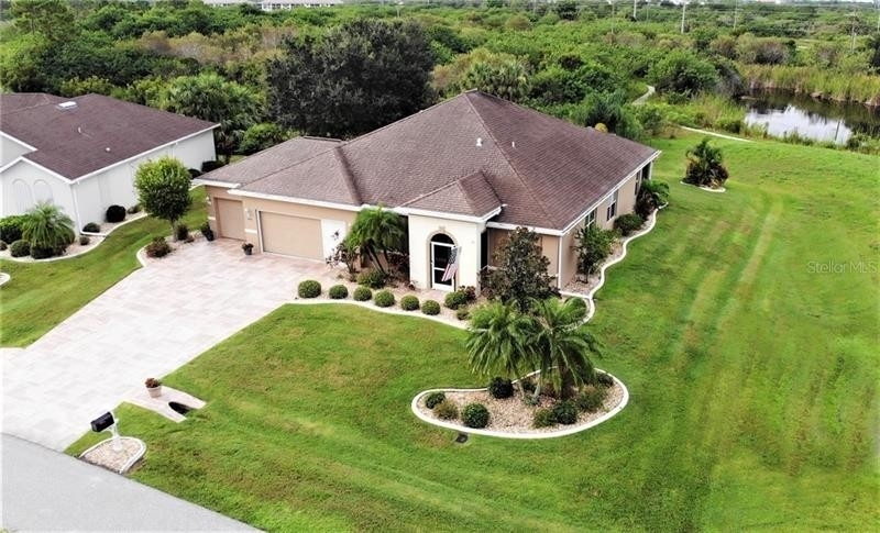 Single Family Home for Sale at Lake Suzy, FL 34269
