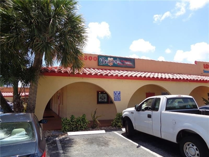 Retail Leases 為 特賣 在 East Lakeside, Oakland Park, FL 33311