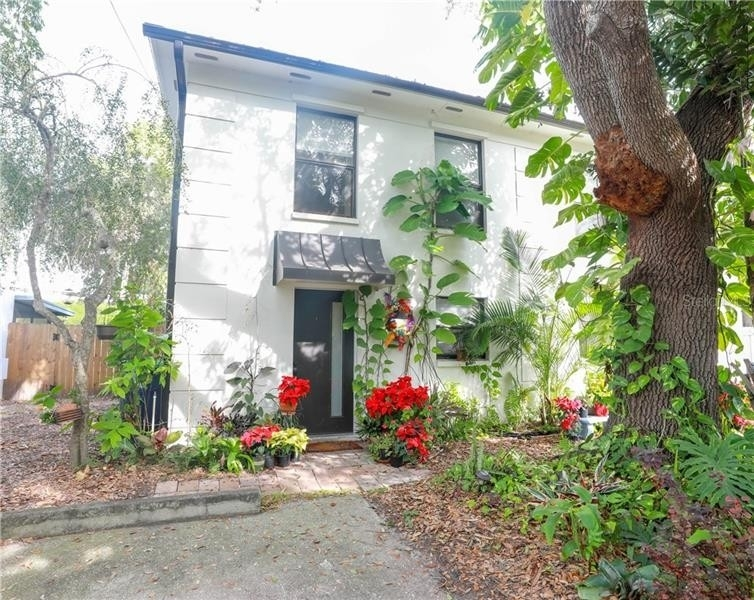 Single Family Home for Sale at 2417 W STROUD AVENUE, A Bayshore Gardens, Tampa, FL 33629