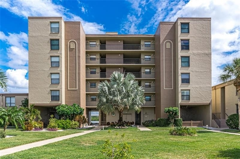 Condominium 為 特賣 在 19725 GULF BOULEVARD, 102 Indian Rock South Shore, Indian Shores, FL 33785