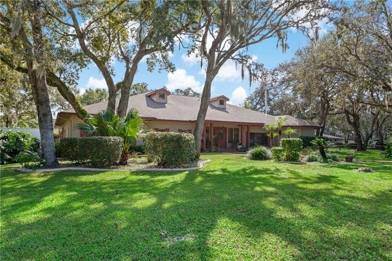 2. Single Family Homes для того Продажа на Golden Acres, New Port Richey, FL 34654