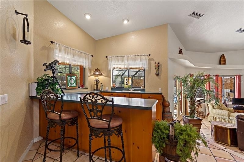 16. Single Family Homes для того Продажа на Golden Acres, New Port Richey, FL 34654