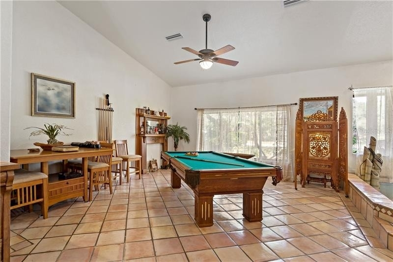 20. Single Family Homes для того Продажа на Golden Acres, New Port Richey, FL 34654