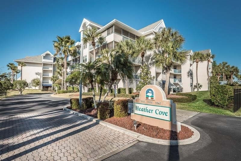 Condominium por un Venta en 5557 SEA FOREST DRIVE, 216 Heather Cove of New Port Richey, New Port Richey, FL 34652